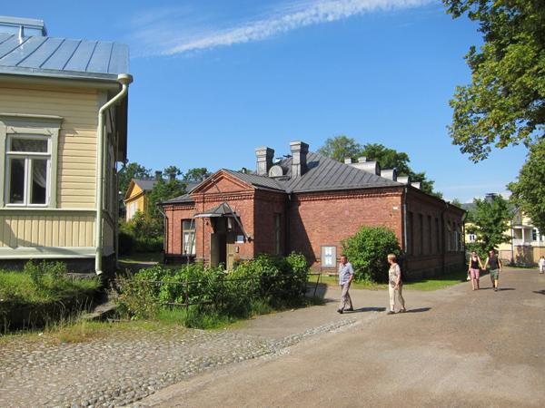 Ryhmat-suomenlinna-ulkoa