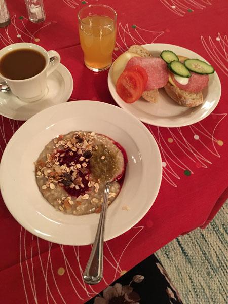 Aamupala, Hostel Lomakivi, Iitti
