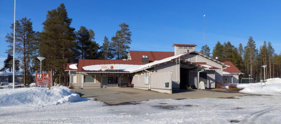 Nuoriso- ja luontomatkailukeskus Oivanki päärakennus