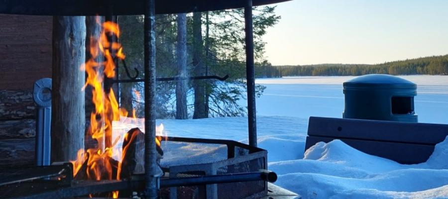 Hostellireissaaja Marianne Nuoriso- ja luontomatkailukeskus Oivangin tulistelupaikalla